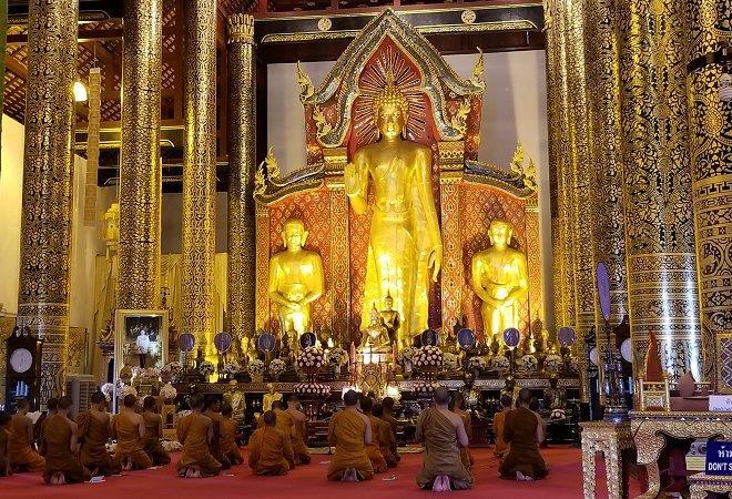Wat Chedi Luang monks Chiang Mai