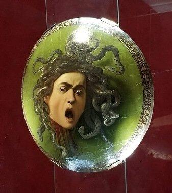 Uffizi Caravaggio Medusa