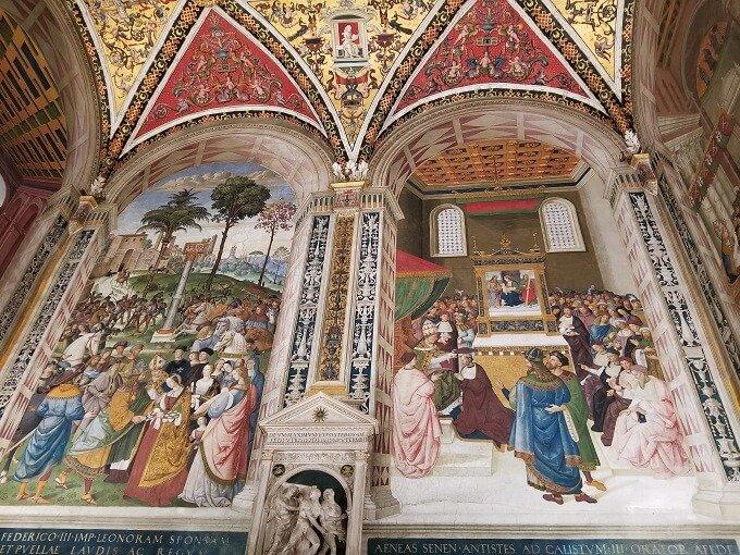 piccolimini library frescos