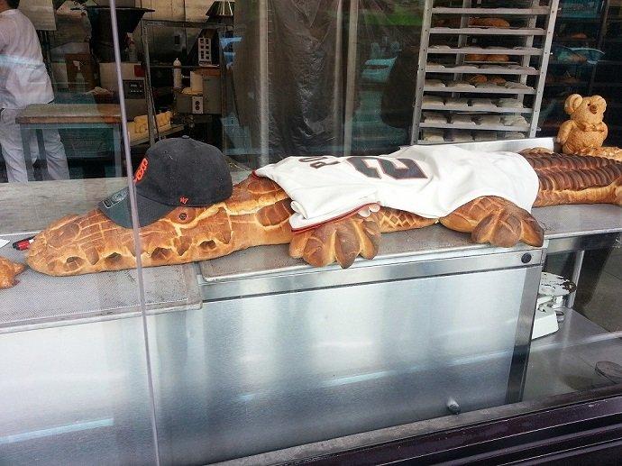 alligator bread at boudin bakery